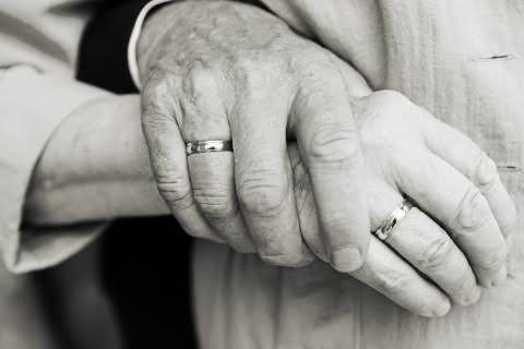 Studi di Amerika Sebut Makin Tua Hubungan Seksual Memuaskan